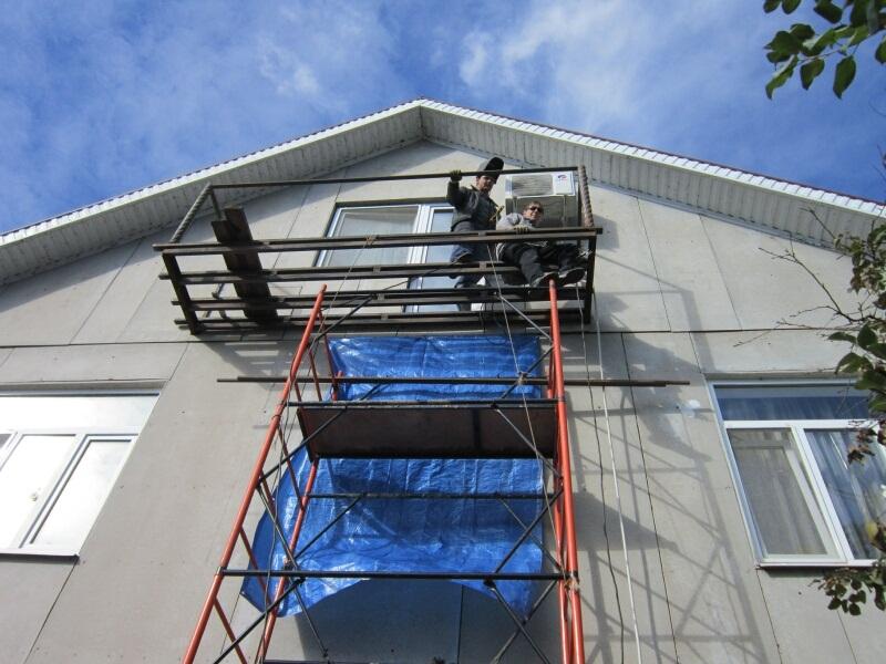 Балконы - каркасы.