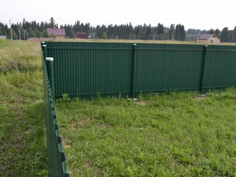Зеленый металлический забор автоматика для ворот каме купить